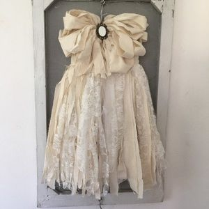 Large, fabric shabby chic bow wall hanging. NEW